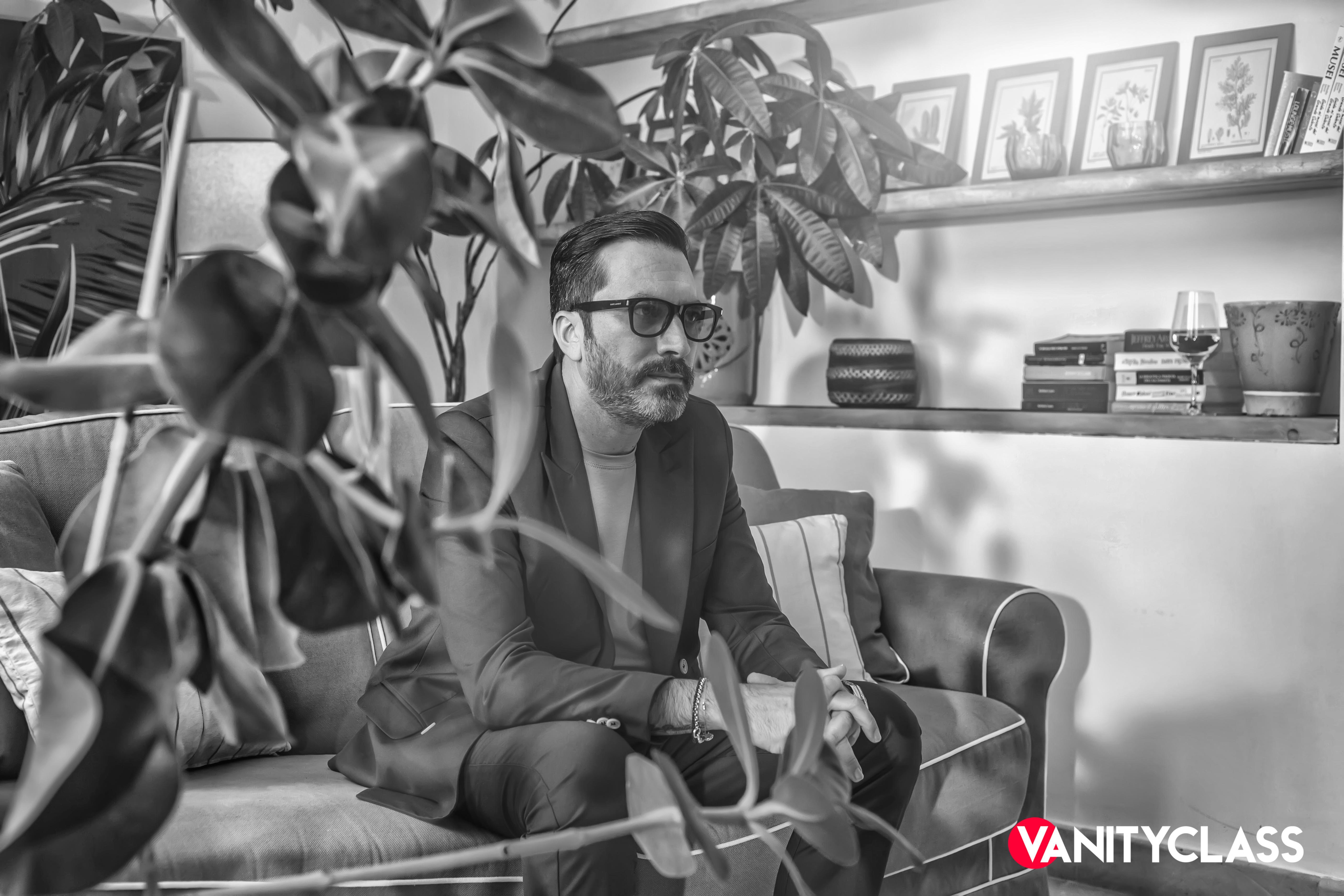 """su più di 200 digital store """"Come Sale"""", il settimo lavoro discografico di Ignazio Deg contro l'omofobia."""