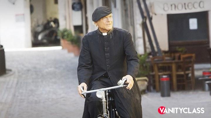 Raoul Bova vestirà i panni di Don Matteo
