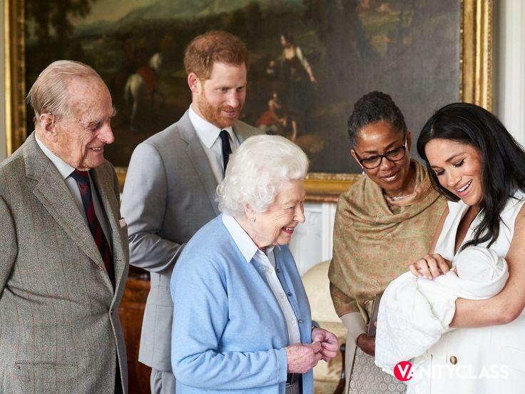 Parto prematuro per Meghan? Secondo fonti americane, la duchessa di Sussex si troverebbe già in ospedale.