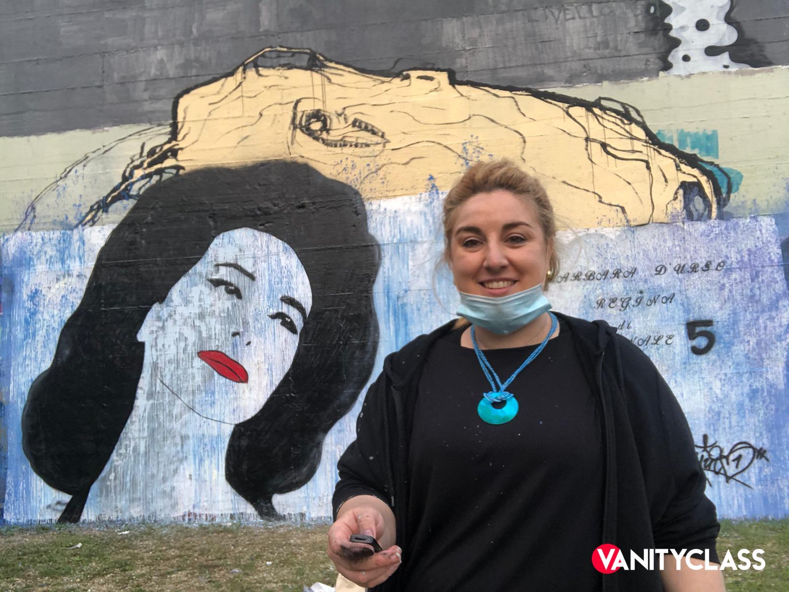 Fabiana Macaluso, l'artista e attivista dedica un murales a Barbara d'Urso