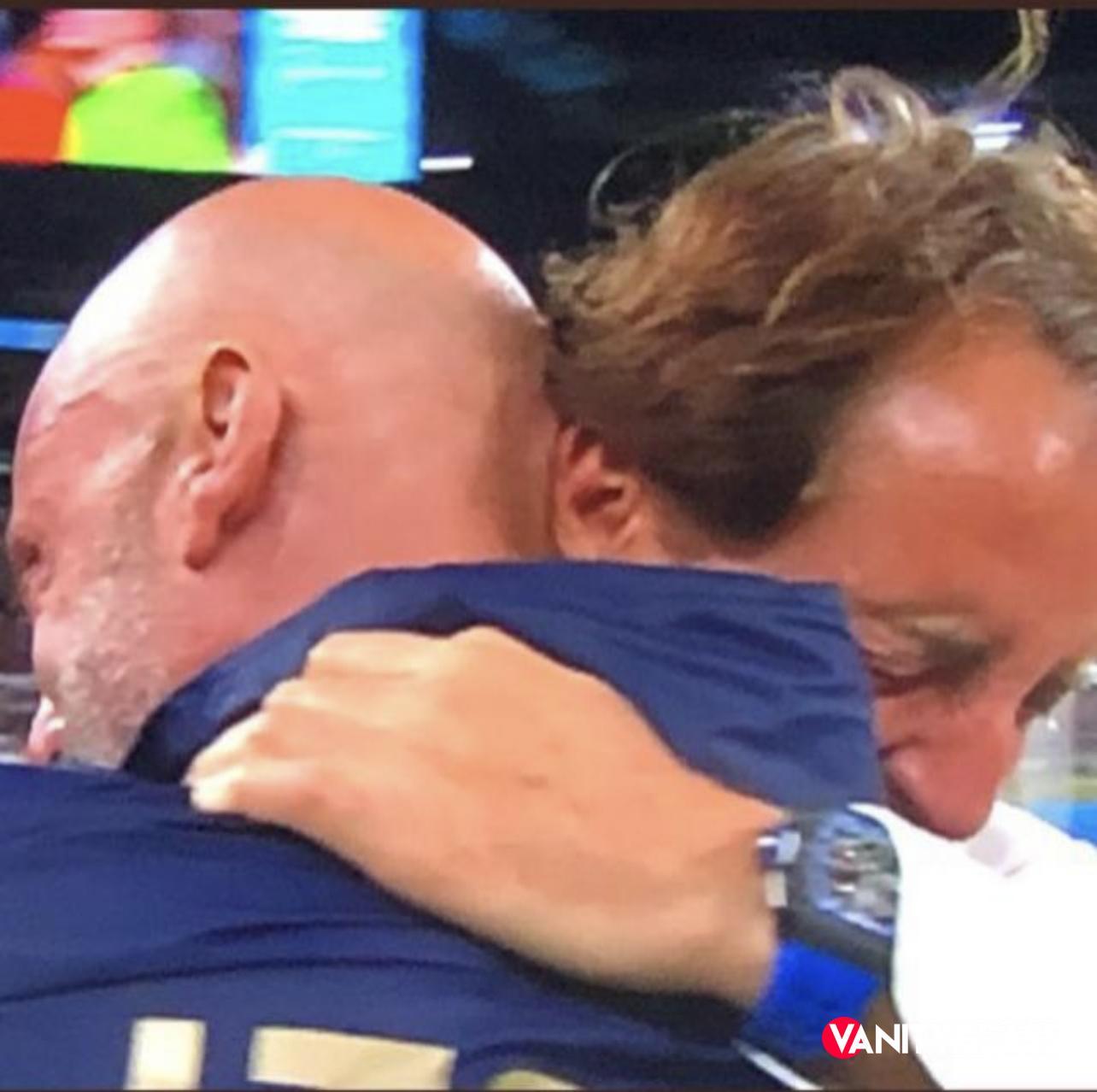 L'abbraccio tra Mancini e Vialli: una rivincita all'Italiana