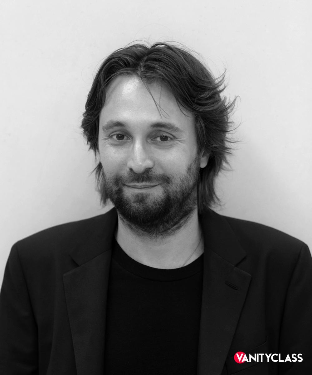 Francesco Vezzoli: l'autore dietro la cover di Mille