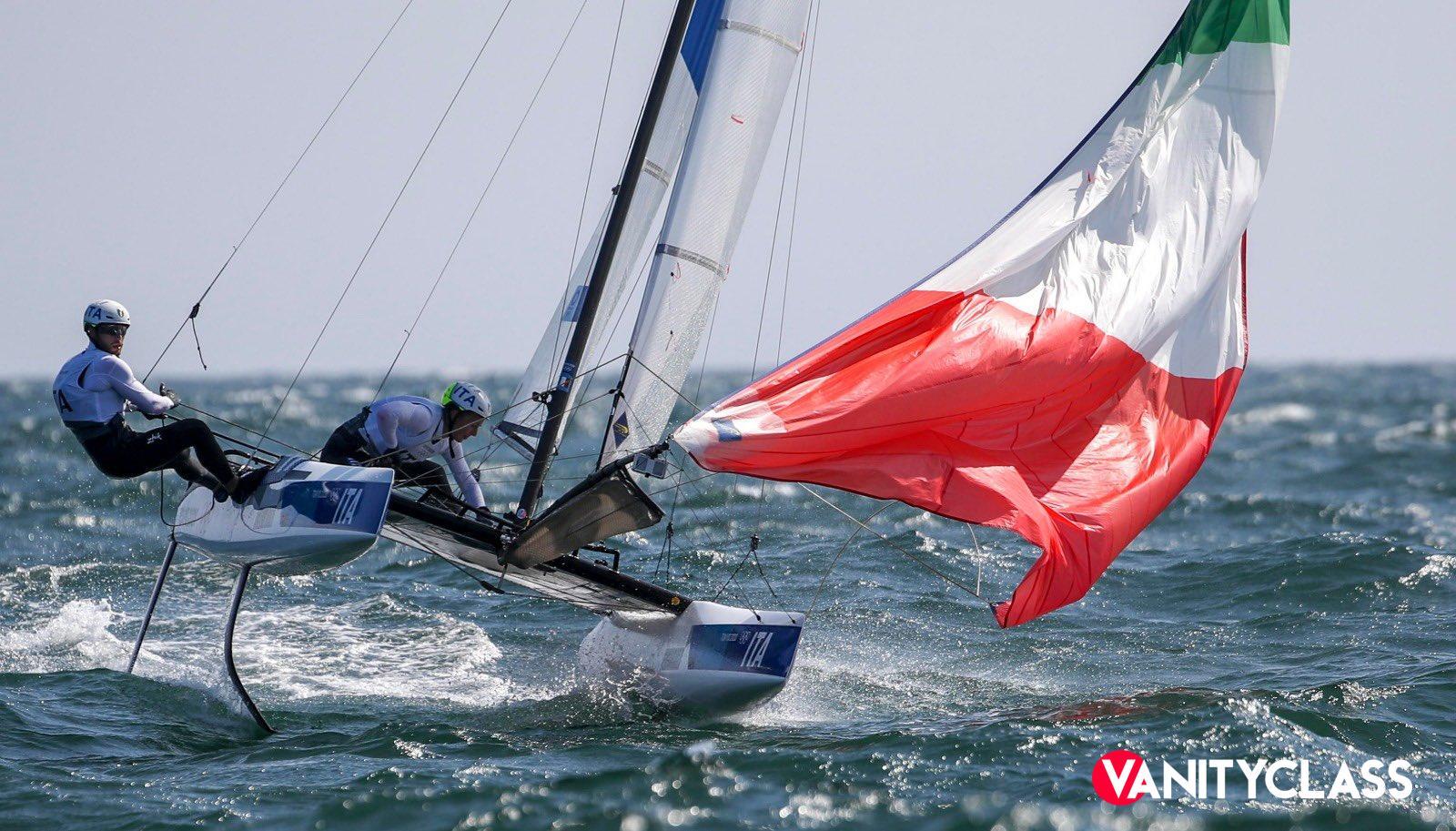 Quinto oro con il catamarano azzurro