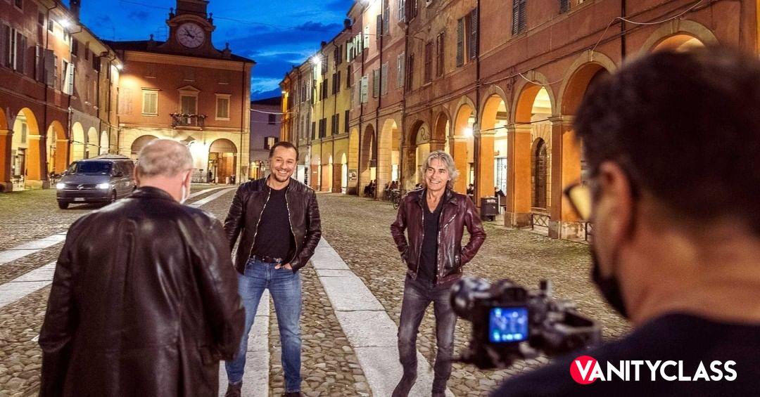 """Luciano Ligabue, in diretta su Rai1, annuncia: """"È andata così."""""""