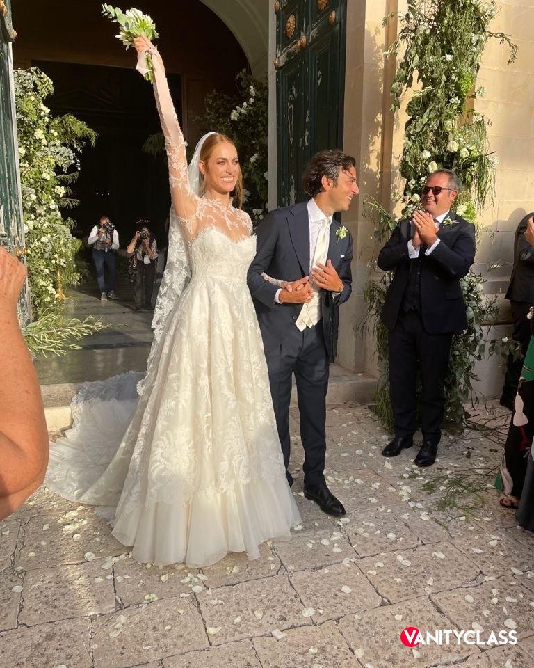 Miriam Leone ha detto sì a Paolo Carullo, suo compagno da circa due anni.
