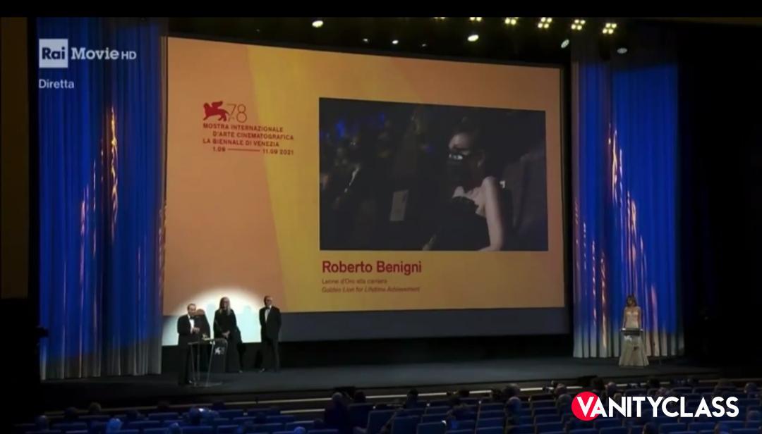 Leone d'oro alla carriera per Roberto Benigni, ma il vero premio è l'amore che lo lega alla moglie