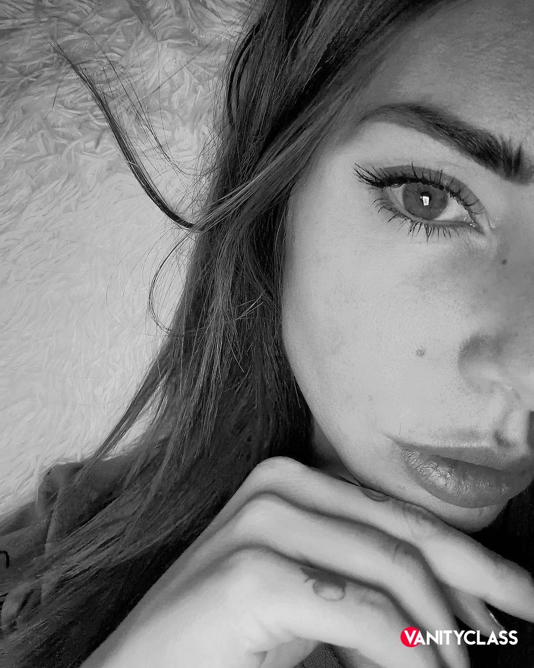 """Bianca Atzei: """"Sto attraversando giorni difficili e tristi"""""""
